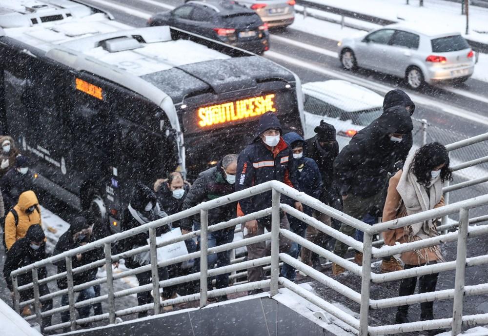 İstanbul'da kar yağışı yeniden etkisini artırdı - 17