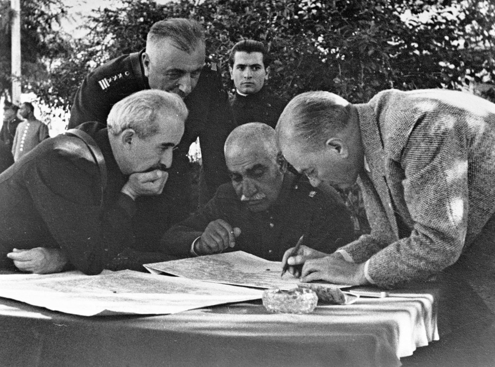 Mustafa Kemal Atatürk'ün ebediyete intikalinin 82. yılı (10 Kasım 1938) - 15