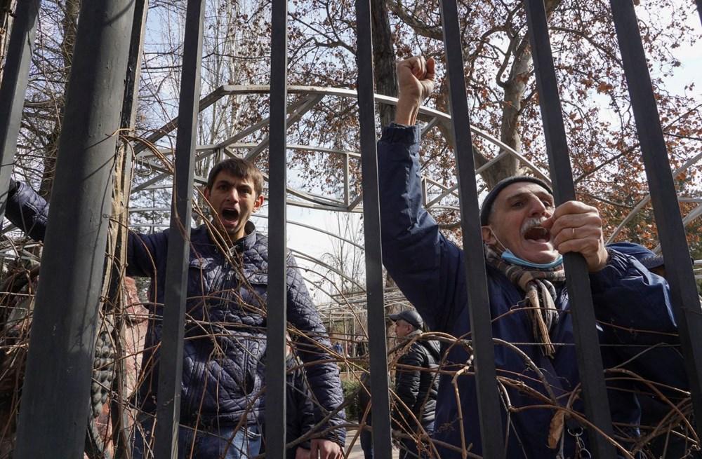 Ermenistan'da darbe girişimi: Paşinyan destekçileri ve karşıtları meydanlara çıktı - 6