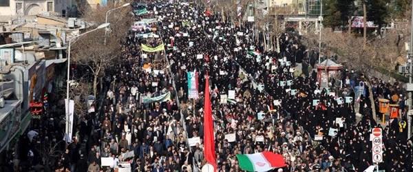 """İran Devrim Muhafızları'ndan """"galip geldik"""" açıklaması"""