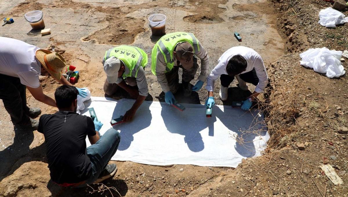 Kaçak kazıda bulunan mozaikler Zeugma Müzesi'ne taşınıyor