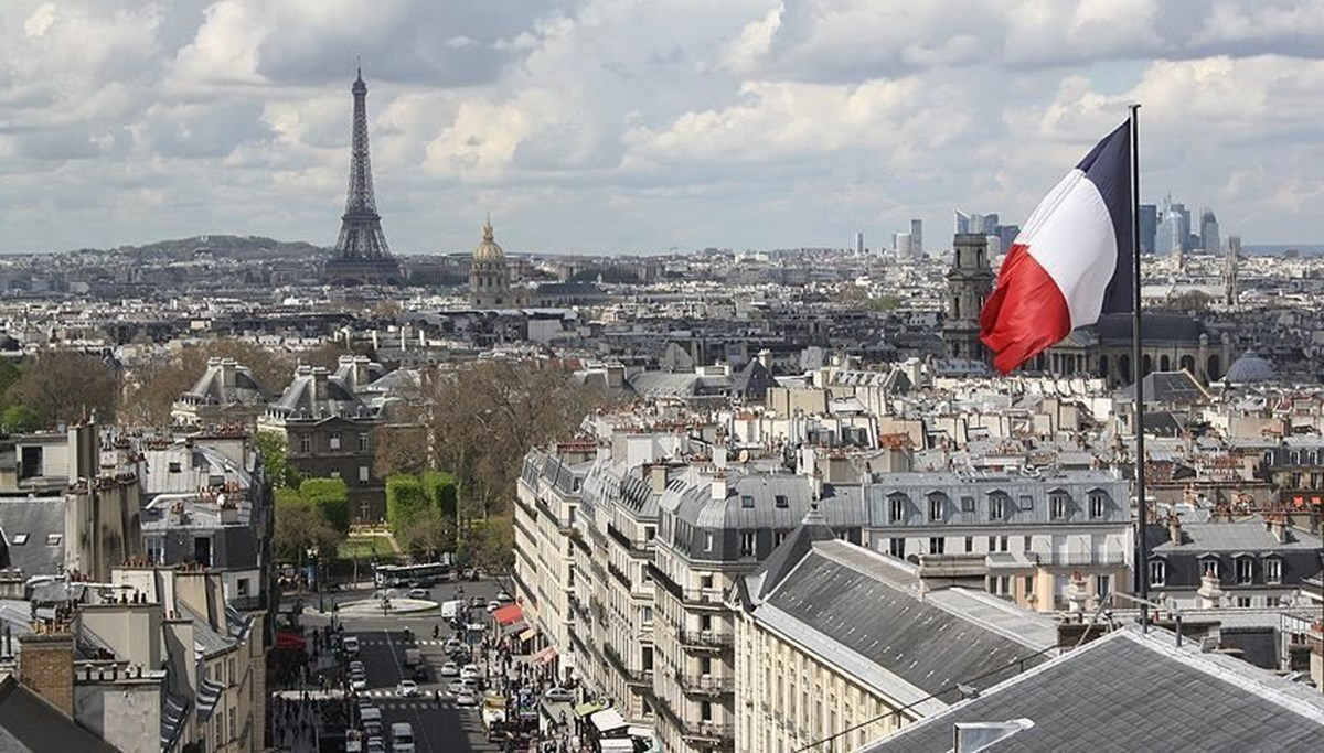 Fransa'da 12 yaşındaki 2 öğrenci hakkında 'terör propagandası yapmak' suçlamasıyla soruşturma