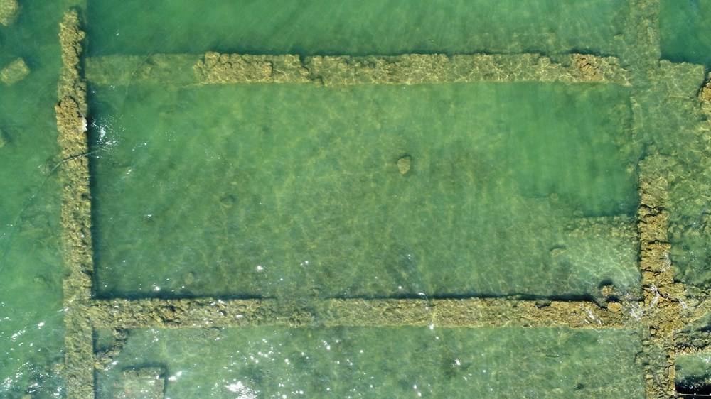 Sular çekilince 2 bin yıllık bazilikanın bir kısmı gün yüzüne çıktı - 4