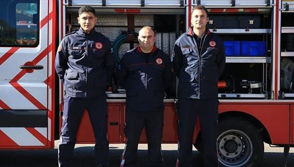 Antalya'da yüzüne demir çubuk saplanan genç, itfaiye ekibiyle ameliyat edildi
