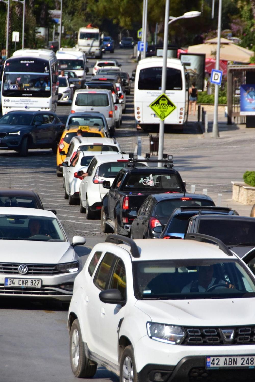 Sadece unvanı sakin şehir: Bayramda nüfusu 20 kat arttı - 6