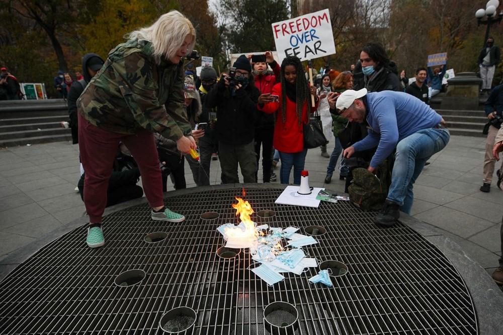 New York'ta karantina karşıtları maske yaktı - 10