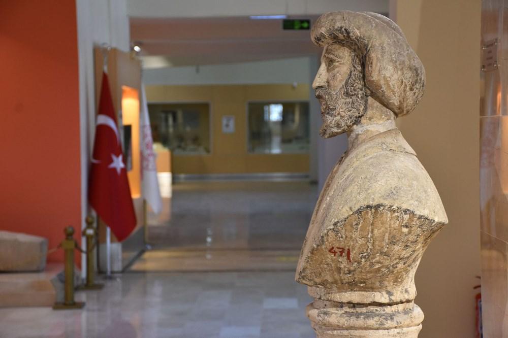 1916 yapımı Osman Gazi büst heykeli Sivas Arkeoloji Müzesi'nde - 3