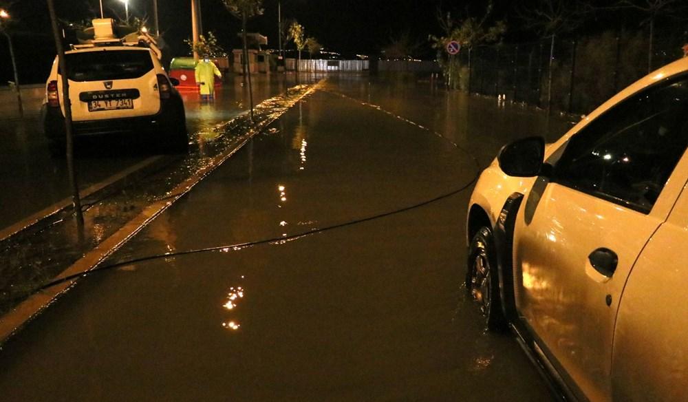 İzmir'de yağışın ardından deniz taştı: 1 kişinin cansız bedenine ulaşıldı - 12