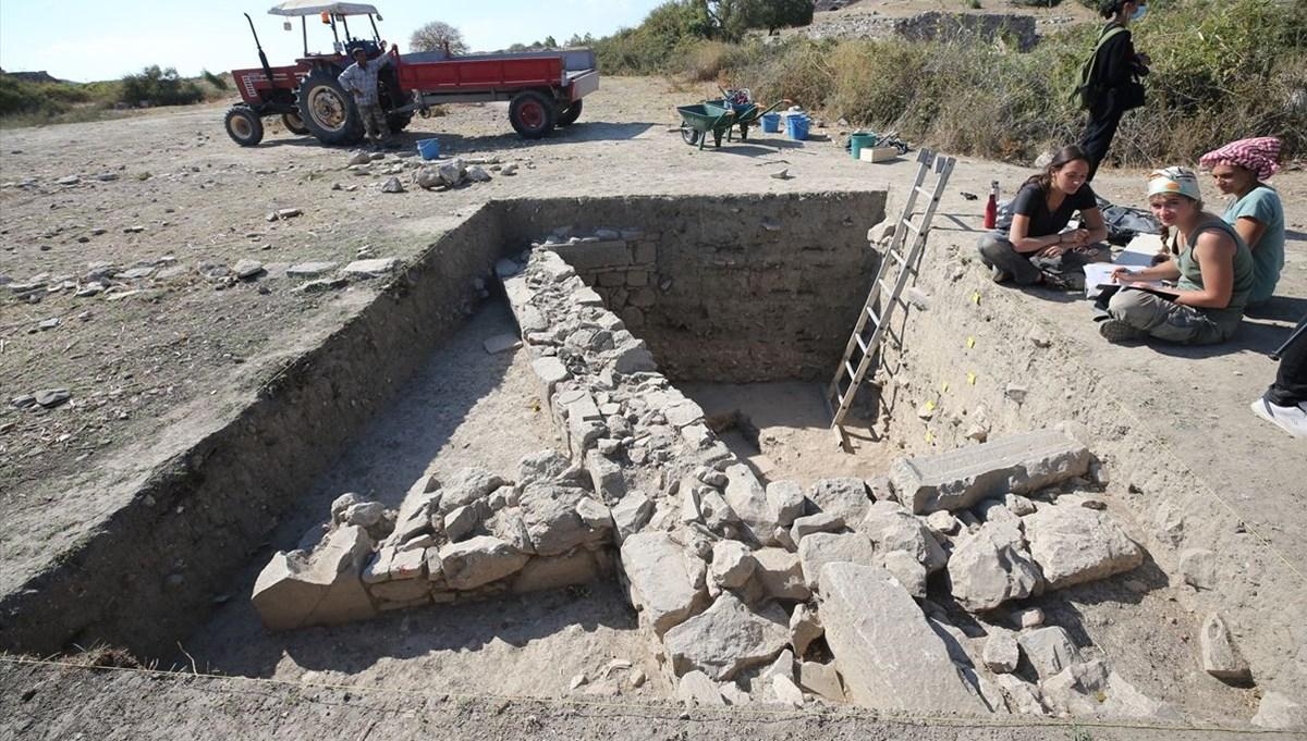 Antik Kent Miletos'ta 2 bin 400 yıllık iki eve ulaşıldı