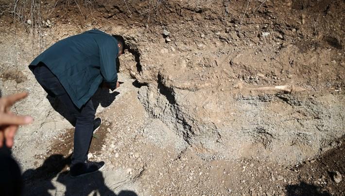 Yol çalışmasında insan kemiği bulundu