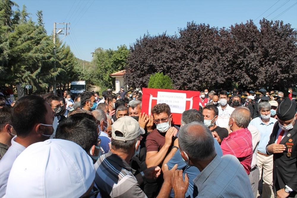 Manavgat'taki yangında ölen orman işçisi babasını cübbesiyle uğurladı - 10