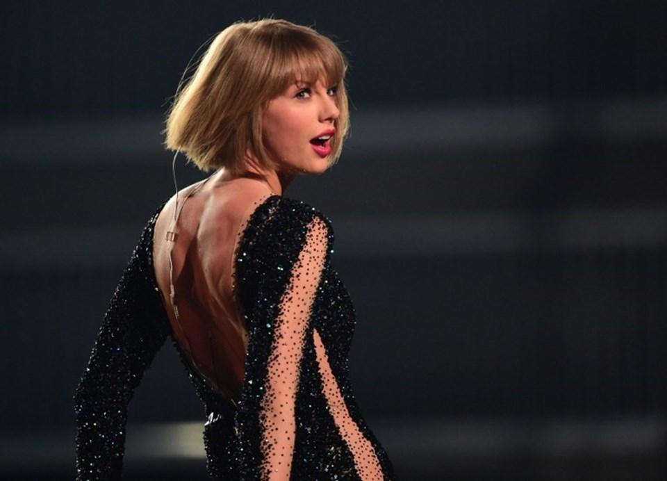 """Bu yıl 58'ncisi düzenlenen Grammy Ödülleri Los Angeles'ta düzenlenen törenle sahiplerini buldu. Yılın Albümü """"1989""""la Taylor Swift'in oldu."""