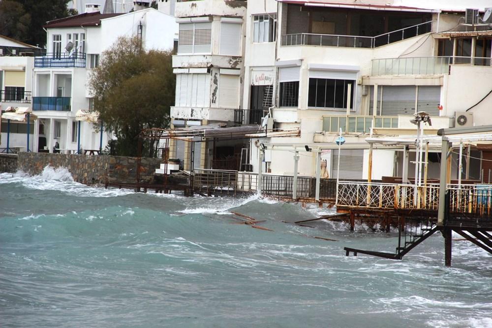 Bodrum'da fırtına milyonluk yatı batırdı - 12