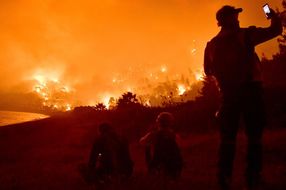 Forest fires in Greece: extinguishing work continues - 8