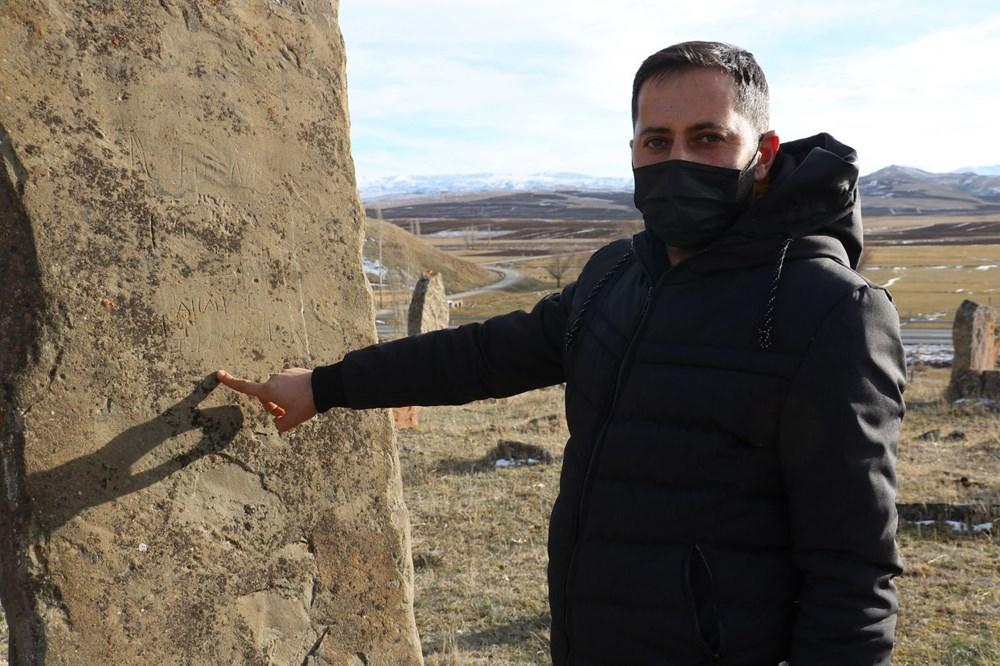 4 asırlık mezarlıktaki dev mezar taşları dikkat çekiyor - 5