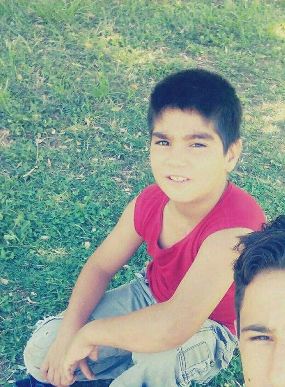Ahmet Efe, trafik kazasında hayatını kaybetti.
