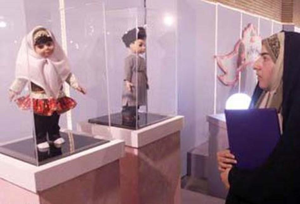 İran'da Barbie'nin karşılığı olarak Dara ve Sara adlı bebekler üretilmişti.
