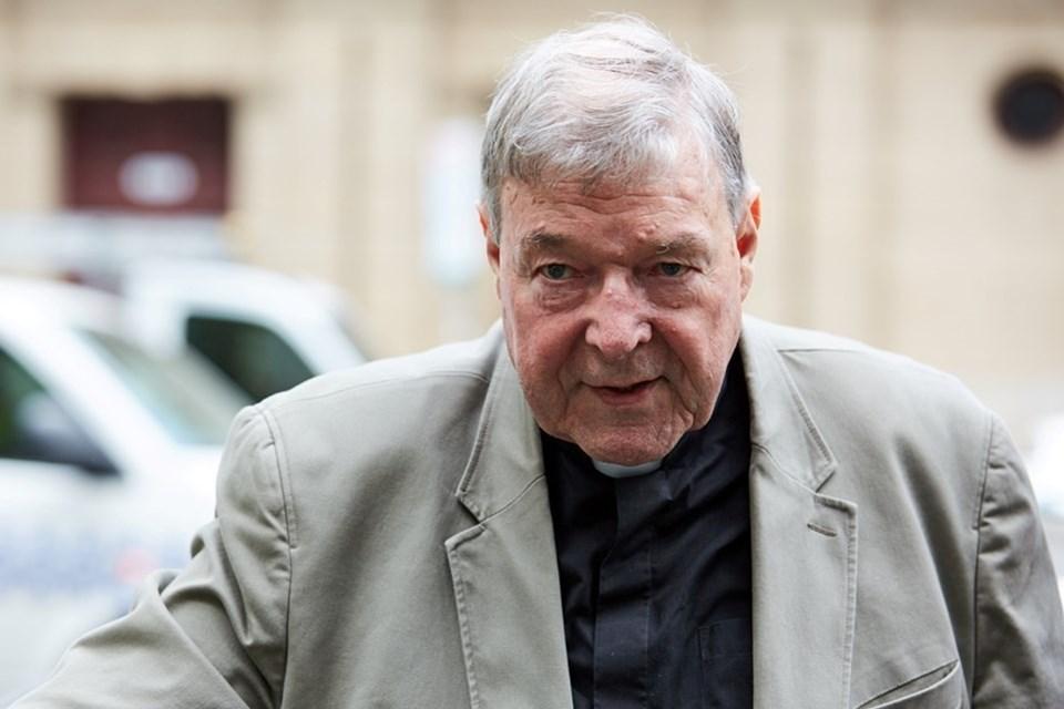 Pell 2003 yılında Papa'yı seçen ruhbanlar kuruluna katılmıştı. 2014 yılında Papa tarafından mali işler başkanlığına getirilen Avustralyalı kardinal istismar iddialarının ortaya çıkmasından sonra açığa alınmıştı.