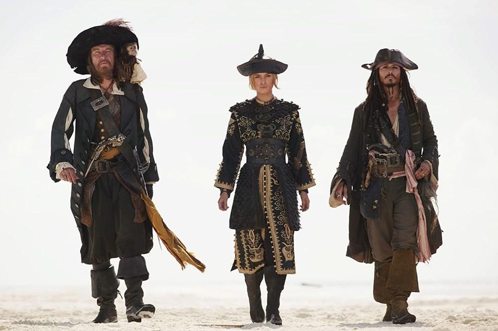 Johnny Depp tahtını Margot Robbie'ye kaptırabilir (Karayip Korsanları hakkında her şey) - 14