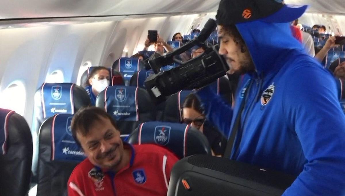 NTV kamerası Shane Larkin'de