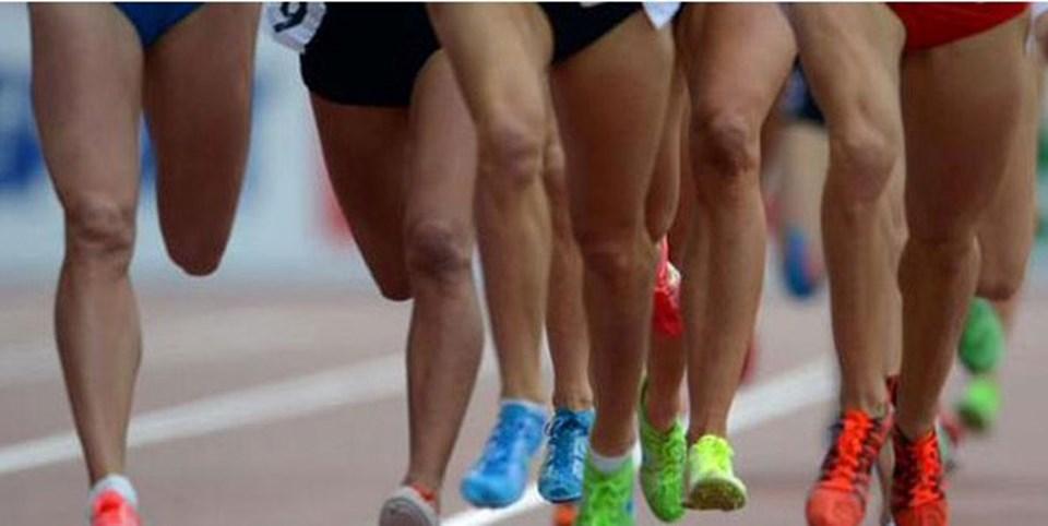 2011 Dünya Atletizm Şampiyonası'na katılan 1800 atletin yüzde 29'u ile 34 son 1 yıl içinde yasaklı madde kullandığını itiraf etti.