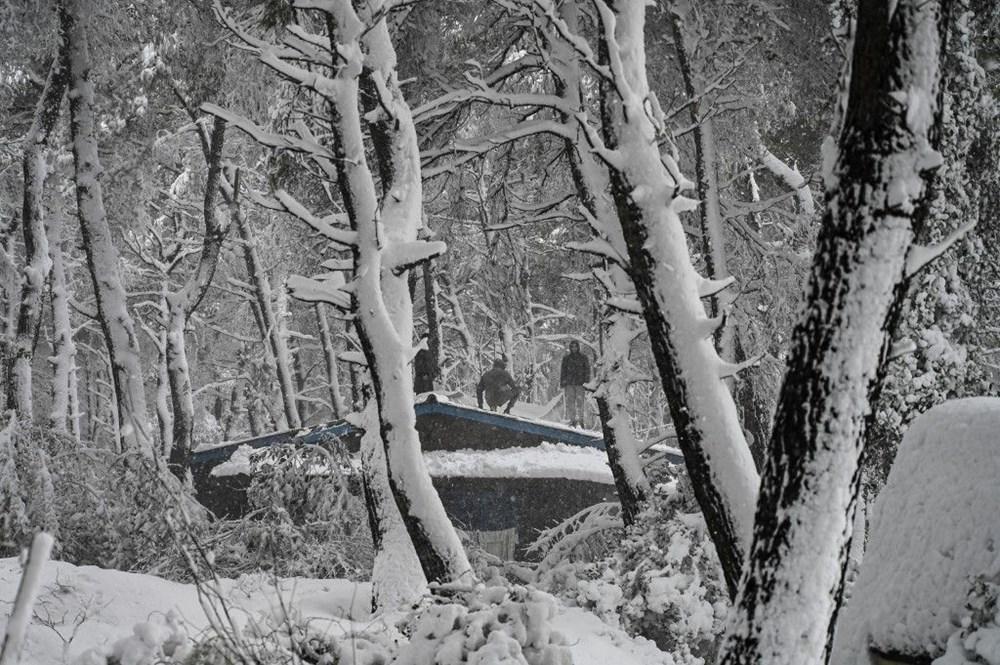 12 yıllık özlemin ardından Atina'da heyecan yaratan kar Girit ve Eğriboz'da iki can aldı - 8