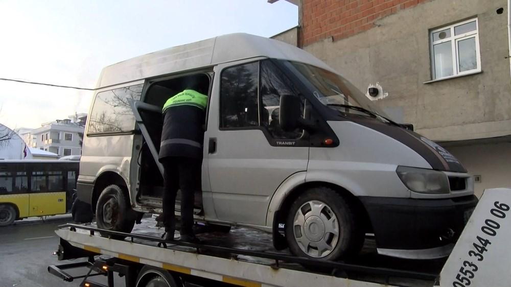 Sancaktepe'de İETT otobüsüyle minibüs çarpıştı: 7 yaralı - 8