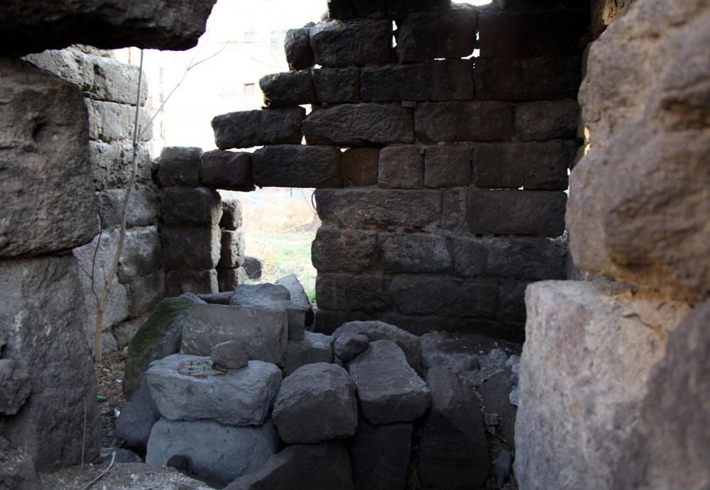 Kayseri'de tarihi medrese harabeye döndü - 3