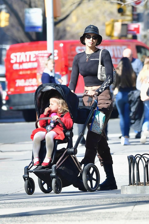 Shayk'a göre bir yandan bekar bir anne olup, diğer yandan çalışan bir kadın olmak çok zor