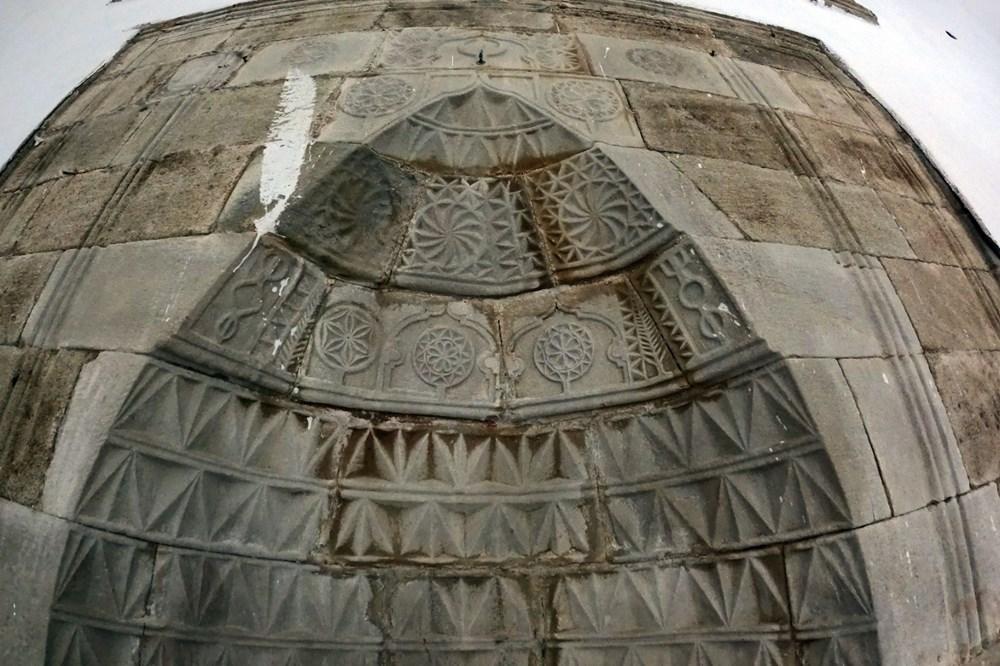 Gümüşhane'deki 800 yıllık ecdat yadigarı camiye eksik restorasyon iddiası - 4