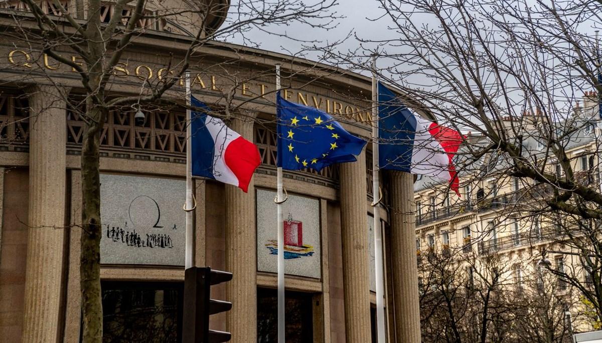Fransa, İngilizce'yi AB toplantılarından çıkarmayı planlıyor