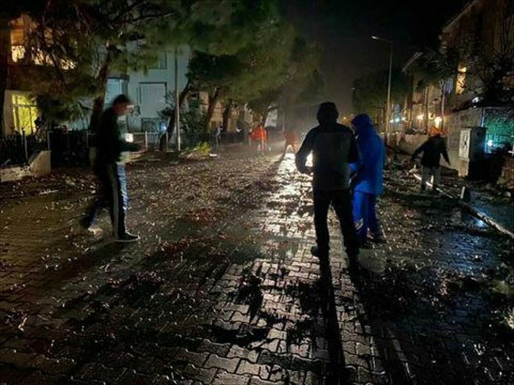 İzmir Alaçatı'da hortum: 16 yaralı - 11