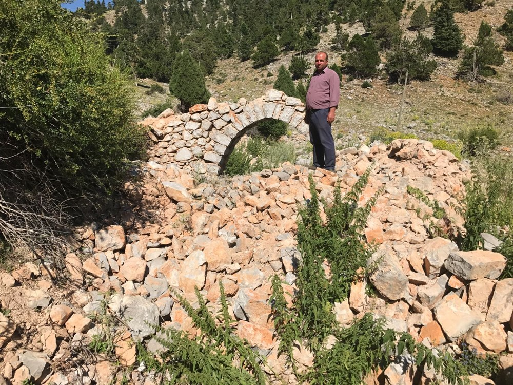 Tarihi Nodar Han ve hana ait kemerli kuyu define avcıları tarafından talan edildi - 14