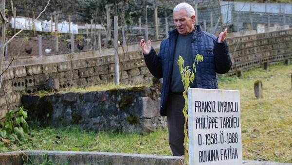 Rize'de mezarını yaptırdı, ailesini arıyor