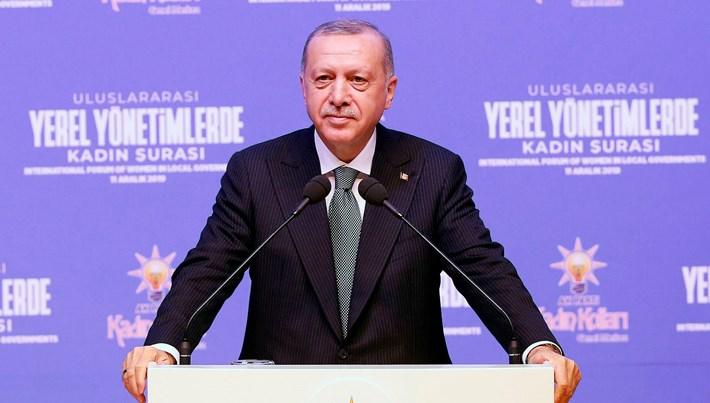 Cumhurbaşkanı Erdoğan'dan kadınlara 'siyaset' çağrısı