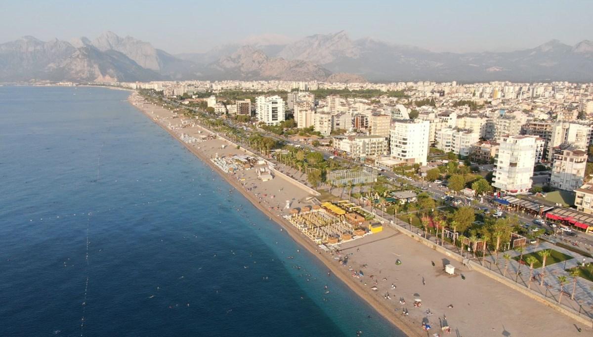 Dünyaca ünlü 'Konyaaltı Sahili' açık hava oteline döndü