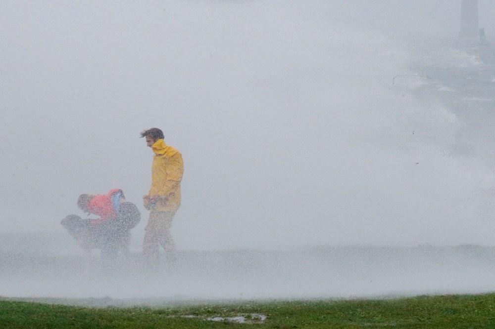 ABD'de Henri Kasırgası etkili oluyor: 140 bin haneye elektrik verilemiyor - 8