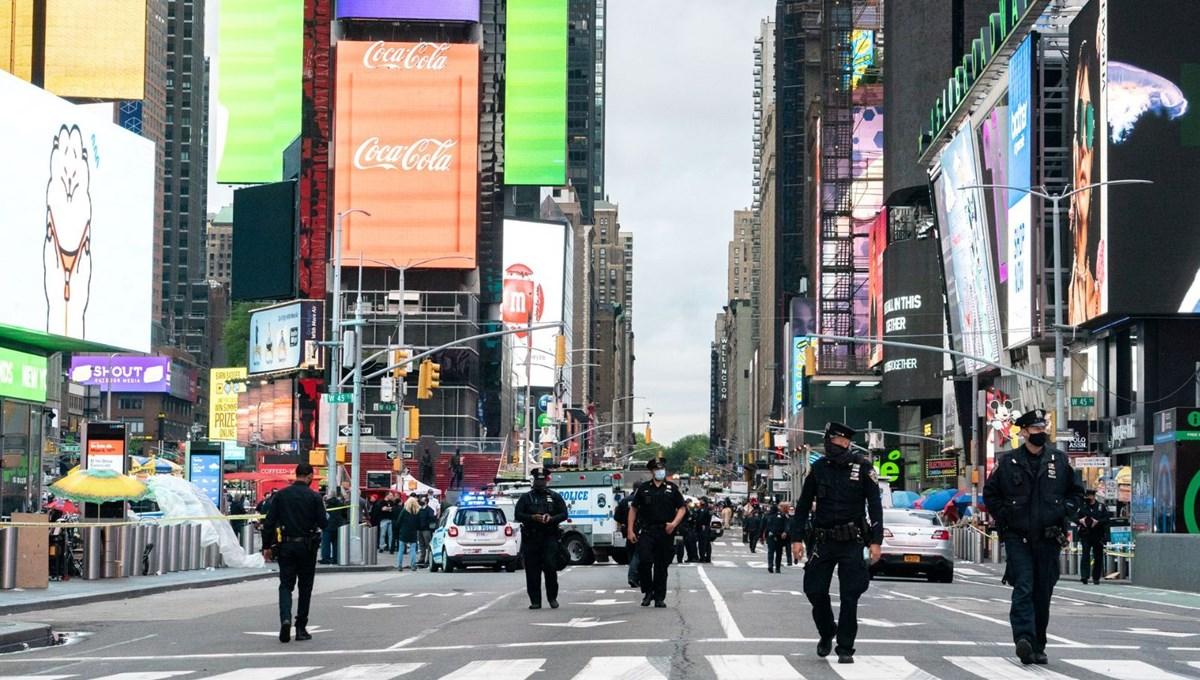 New York Times Meydanı'nda silahlı saldırı: 3 yaralı