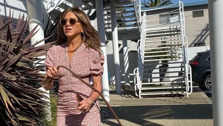 Jennifer Aniston, Clyde ile fotoğrafını paylaştı (Ünlüler ve sevimli dostları)