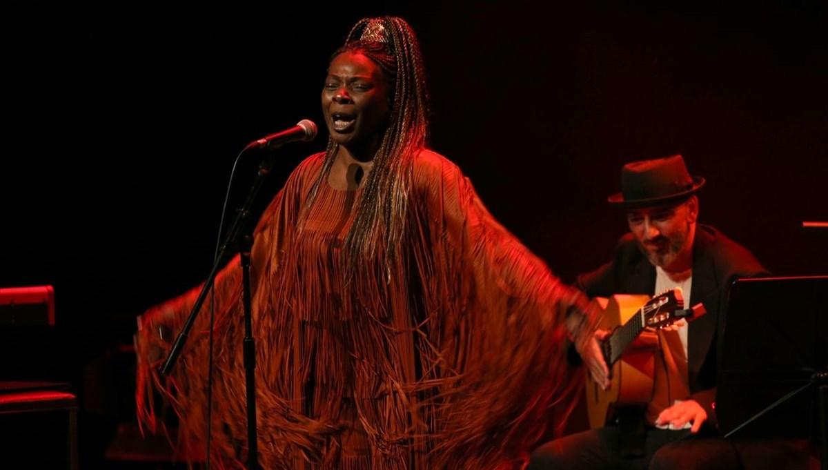 İspanyol şarkıcı Buika İstanbul'da konser verdi