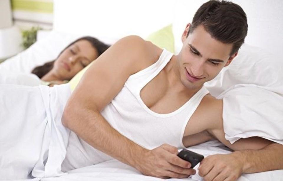 Kişinin cinsel yaşamından duyduğu memnuniyet ve sadakatsizlik arasında ters orantı var ve cinsel yönden tatmin olmayan eşler, ihanet etmeye daha fazla meyilliler.