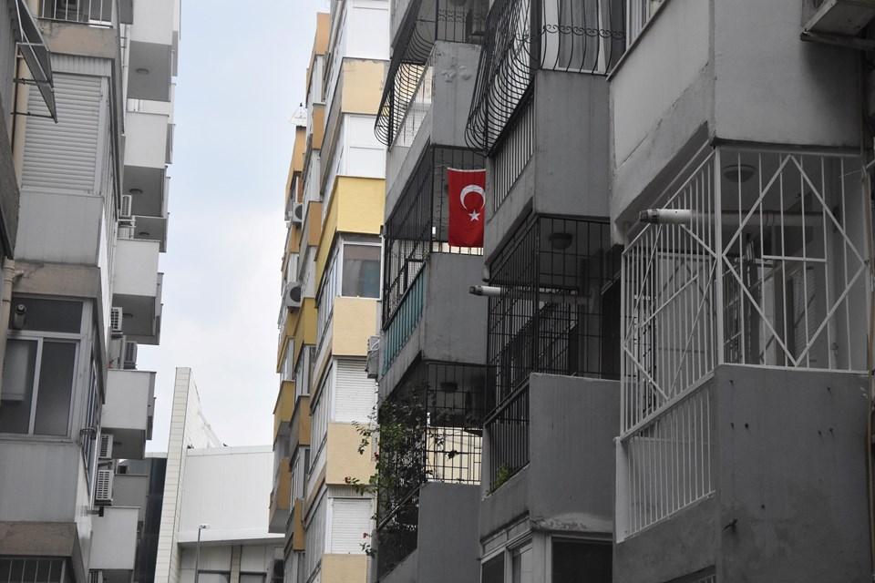 Rahip Brunson'ın evi (Türk bayraklı)