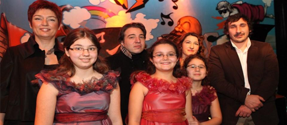 Toplantı genç yeteneklerin verdiği konserle sona erdi.