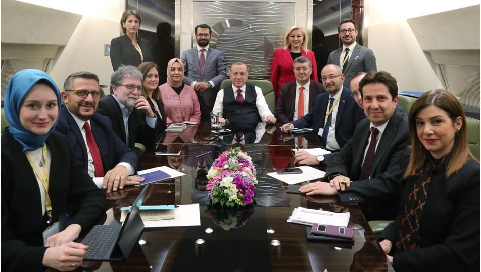 cumhurbaşkanı erdoğan gazeteciler.jpg
