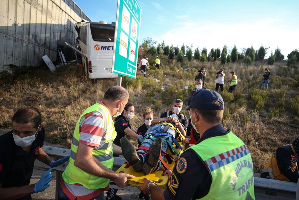 Kuzey Marmara Otoyolu'nda otobüs yoldan çıktı: 5 ölü, 25 yaralı - 11