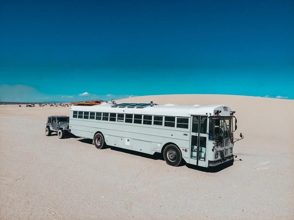 İşlerinden istifa edip karavana çevirdikleri okul servisiyle dünya turuna çıktılar - 18