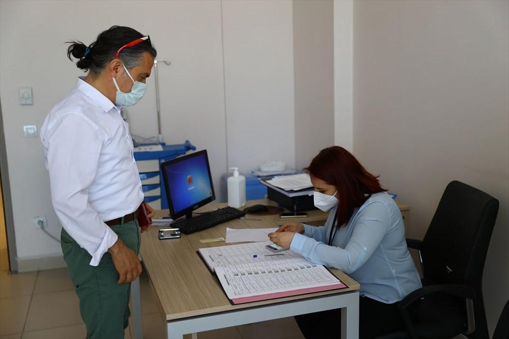 Bayramda aşılama devam ediyor: Sağlık çalışanlarının eşleri aşılanmaya başladı - 2
