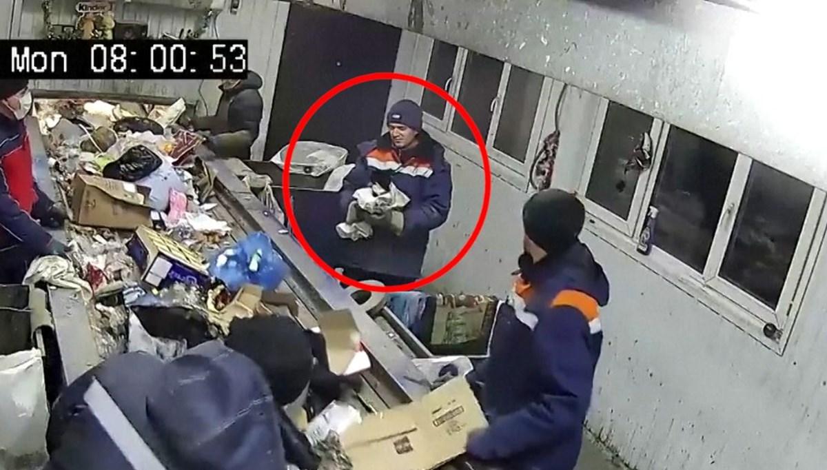 Çuvalın içine koyulup çöpe atılan kedi son anda kurtarıldı