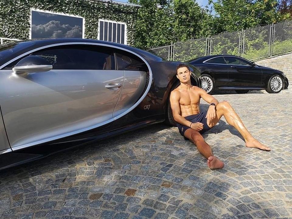 Portekiz millî takımının kaptanı otomobil koleksiyonunu Instagram'dan paylaşıyor