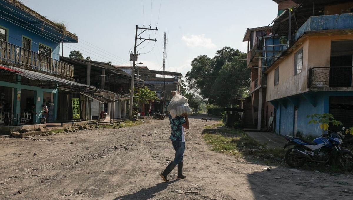 A ghost town 'El Placer' in Colombia